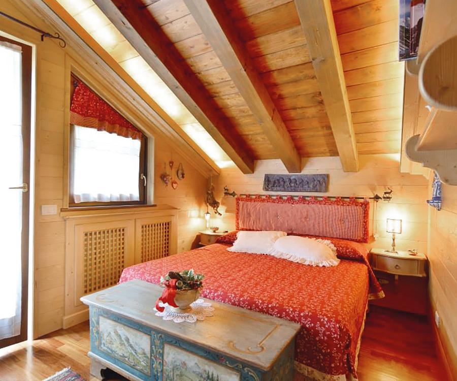 Camera Matrimoniale In Legno.Camera Matrimoniale In Legno Piallato Artigiana Arredi
